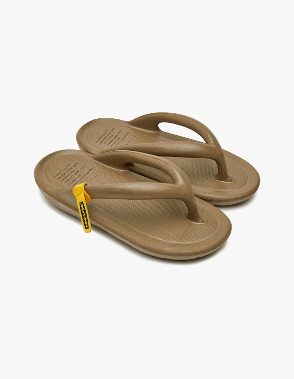 Taw&Toe ZEROVITY™ Flip Flop - Tan | HEIGHTS. | 하이츠 온라인 스토어