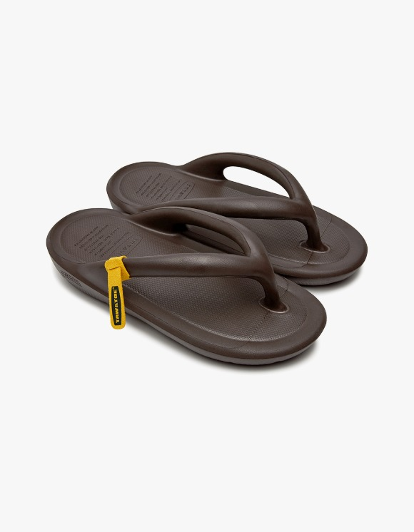 Taw&Toe ZEROVITY™ Flip Flop - Espresso | HEIGHTS. | 하이츠 온라인 스토어