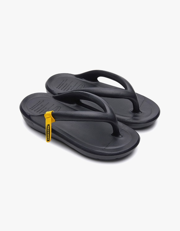 Taw&Toe ZEROVITY™ Flip Flop - Black | HEIGHTS. | 하이츠 온라인 스토어