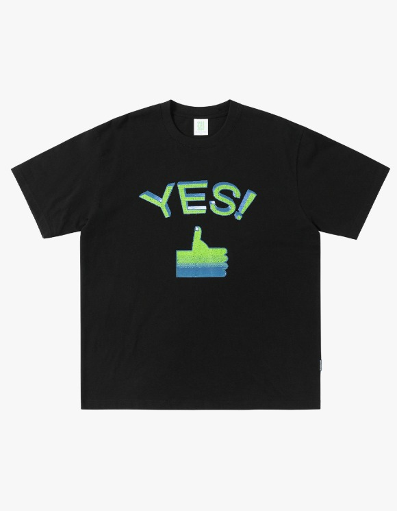 yeseyesee Tumbs up Tee - Black | HEIGHTS. | 하이츠 온라인 스토어