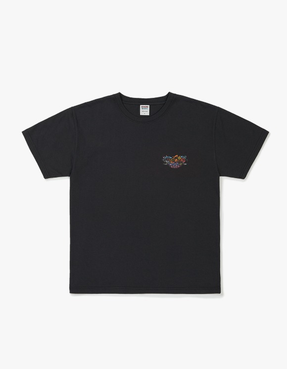 Know Wave [5월 21일 예약발송] Psychedelic S/S Tee - Dark Charcoal | HEIGHTS. | 하이츠 온라인 스토어